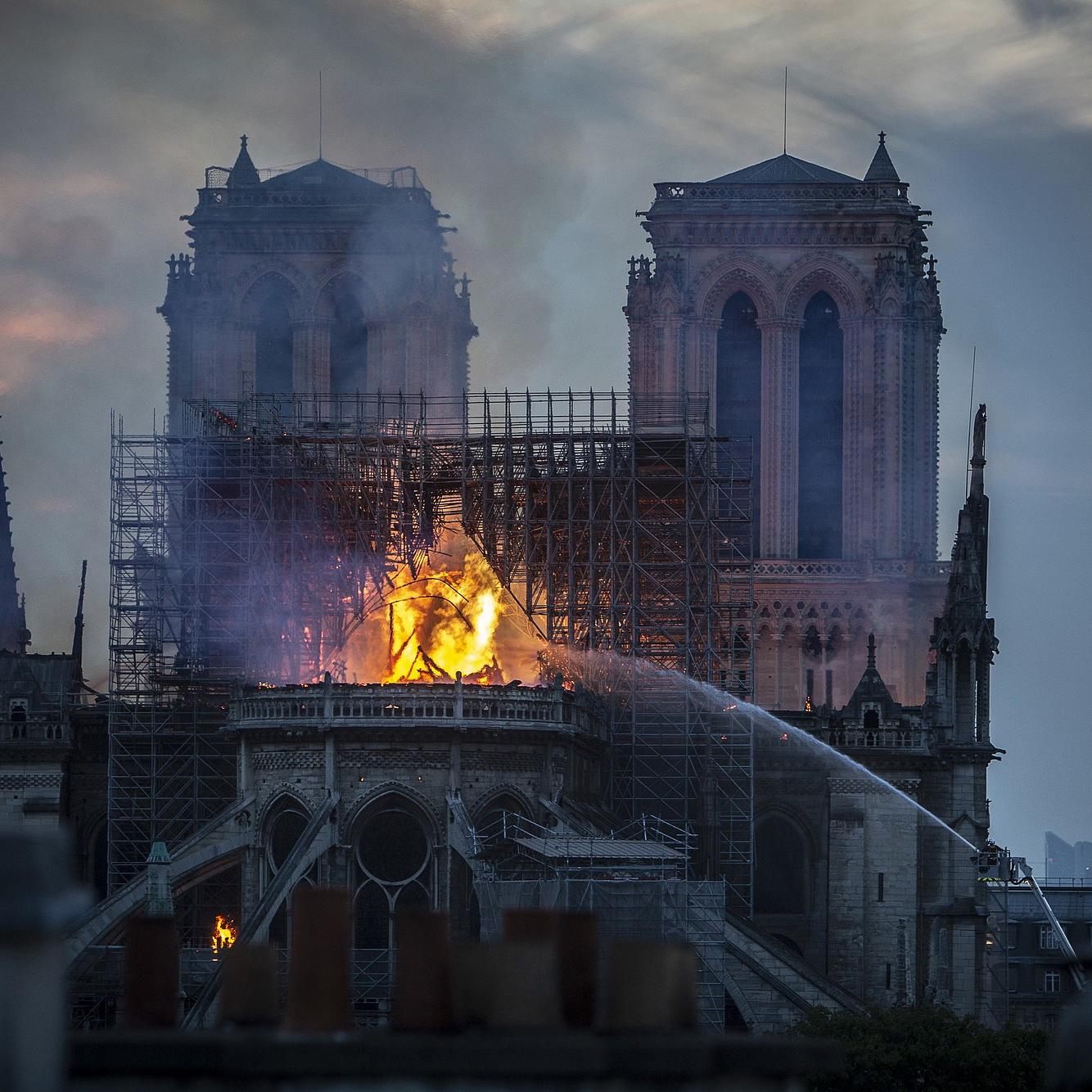 Kimentették a Notre-Dame festményeit